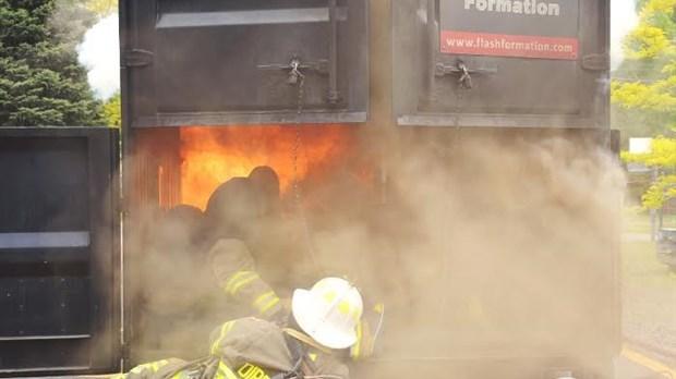 une formation hors du commun pour les pompiers de pincourt vaudreuil soulanges n omedia. Black Bedroom Furniture Sets. Home Design Ideas
