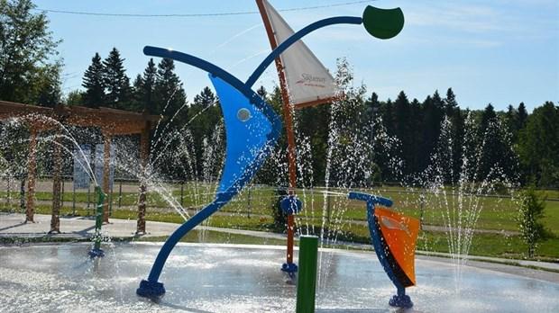 des nouveaux jeux d eau ouverts au public laterri re saguenay lac st jean n omedia. Black Bedroom Furniture Sets. Home Design Ideas