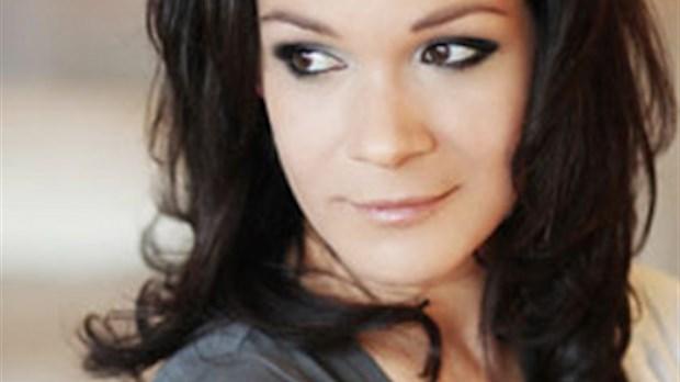 sandrine bisson sera la porte-parole de l u2019 u00e9dition 2015 de regard